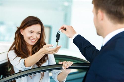 Gebrauchtwagenkaufvertrag: Rücktritt nicht angegebenen Unfallschaden