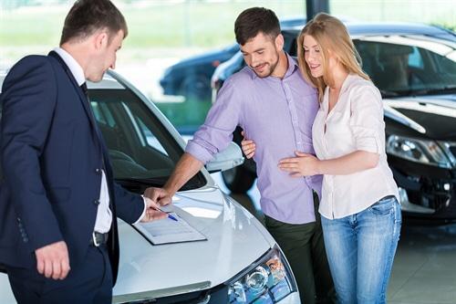 Gebrauchtwagenkaufvertrag – arglistige Täuschung über Lenkgetriebeschaden