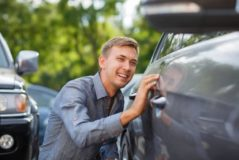 Gebrauchtwagenkaufvertrag – Rücktritt wegen Unfallschäden - Gewährleistungsausschluss