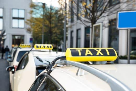 Einsatz eines Taxis trotz verweigerter neuer TÜV-Prüfplakette