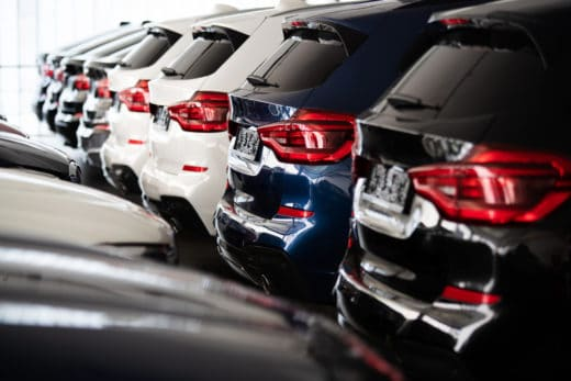 Neufahrzeugkaufvertrag - Nachlieferung eines typengleichen fabrikneuen Ersatzfahrzeuges