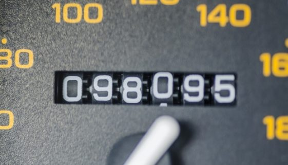 Gebrauchtwagenkauf - Rücktritt – Laufleistungsabweichung von ebay-Angebot und Tachometer