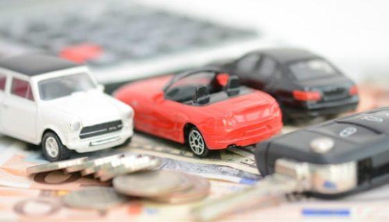 Fahrzeugkaufvertrag - Schadenersatz ohne vorherige Nachbesserungsmöglichkeit