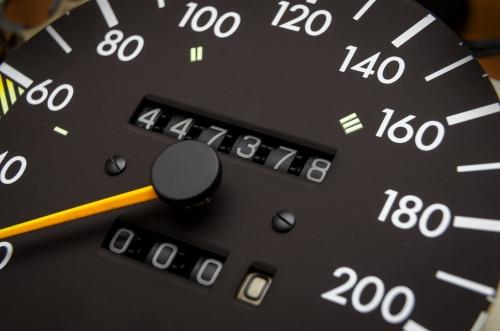 Kilometerlaufleistungsangabe durch Gebrauchtwagenhändler als Beschaffenheitsangabe